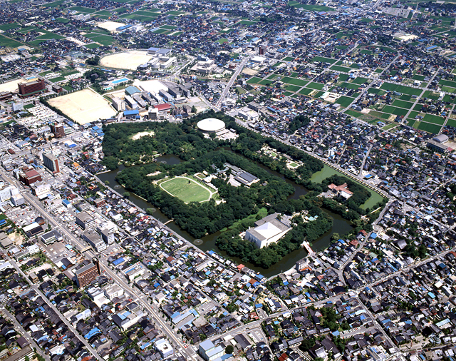 高岡古城公園(県指定史跡、日本100名城)画像2